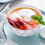 Gazpacho con perline alla panna e gamberetti rossi di Gallipoli